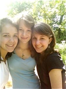 Roanoke Girls, Jes in the middle